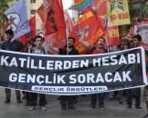 izmirde-suruc-katliami-protesto-edildi