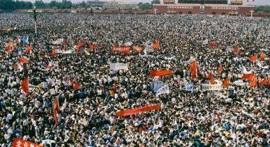 Tiananmen-Worker-Protest-800-533
